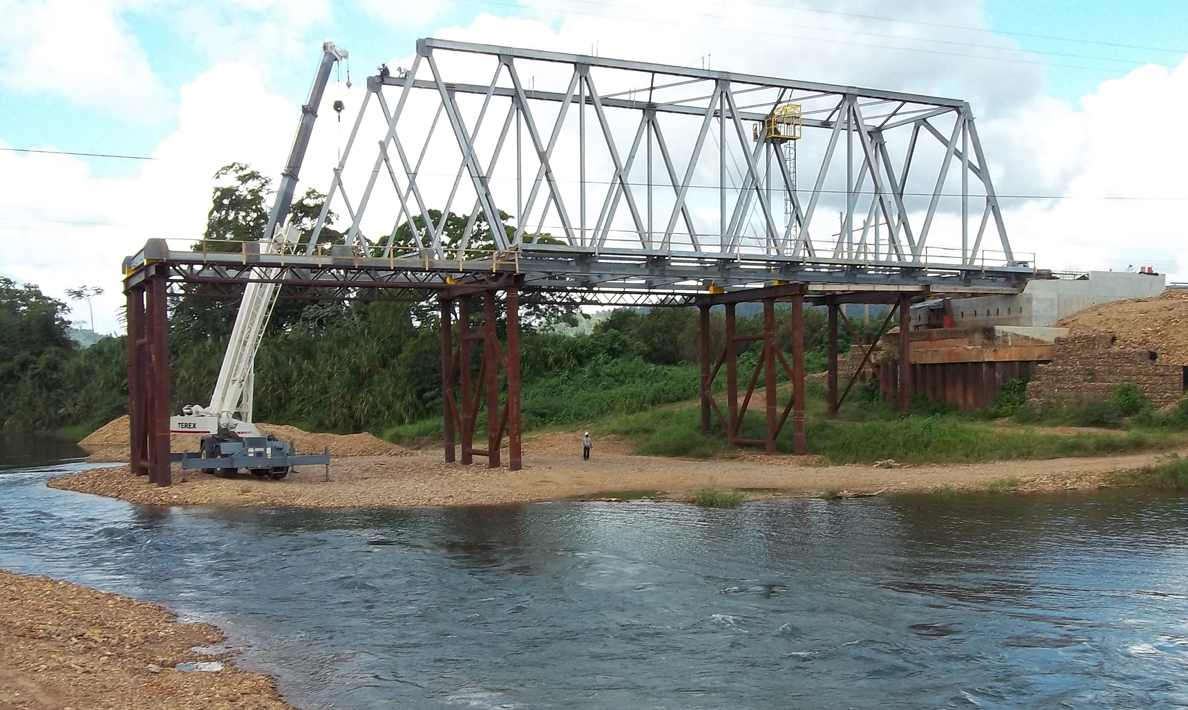 Kendal Bridge, new modular bridge under construction | Belize