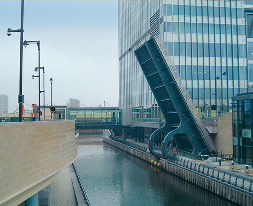 Operating and control systems for Bellmouth Bridges | Canary Wharf