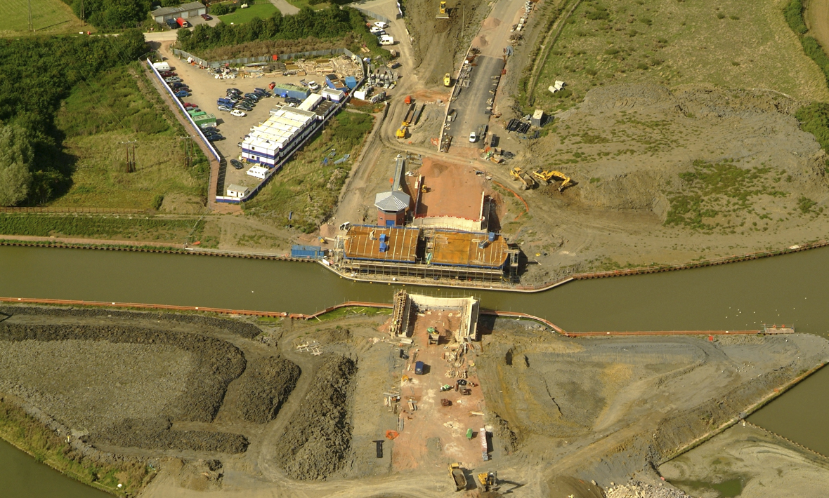 Installation of Netheridge Bridge, road swing bridge over Gloucester and Sharpness Canal, South West Bypass | Gloucester