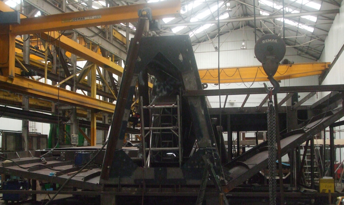 Scale Lane Bridge being manufactured in sections at Qualter Hall\'s works |  Hull