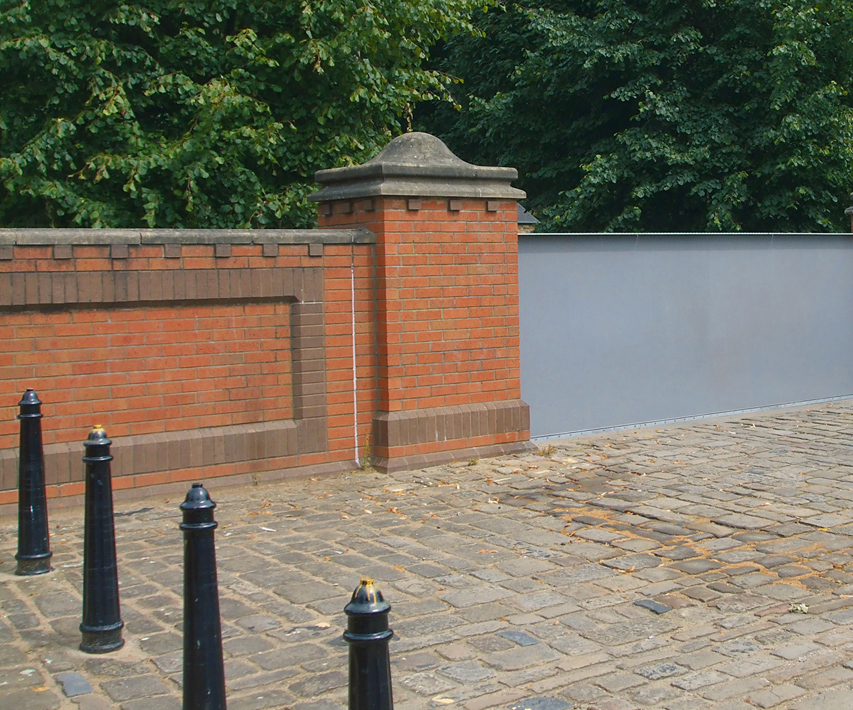 Marygate flood defence gate | York