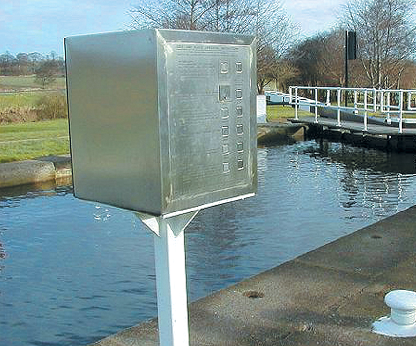 Automation of thirteen lock gate systems | Aire and Calder